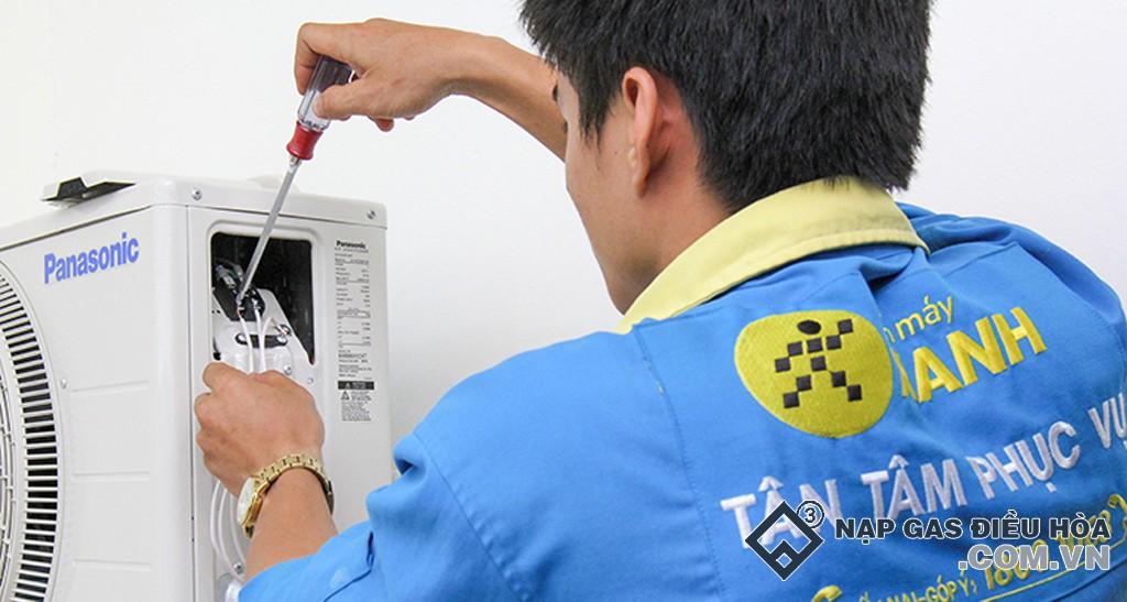 Đấu nối các đầu dây ở hộp điều khiển ngoài cục nóng