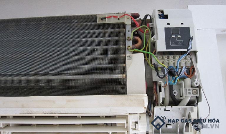 Mainboard điều khiển máy lạnh bị lỗi