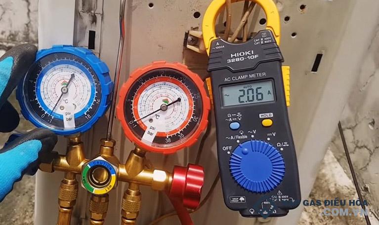 Cách đo áp suất gas điều hòa bằng đồng hồ đo gas