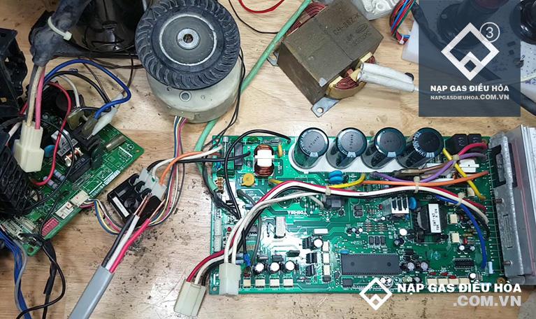 Kiểm tra và thay IC/ biến thế nguồn cho điều hòa
